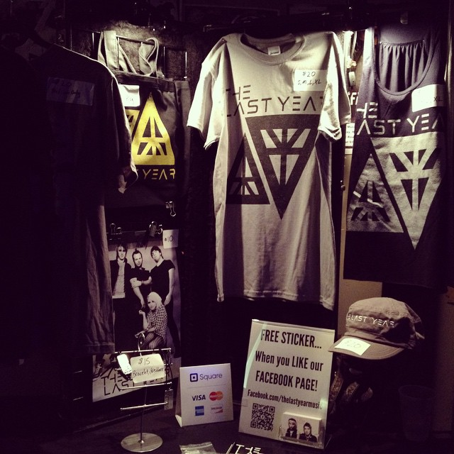 That is a fine looking merch setup!